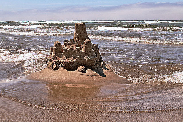 640px-sand_castle2c_cannon_beach